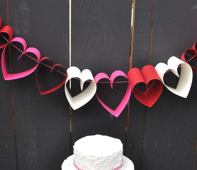 Festone romantico con cuori di carta love diy - Decorazioni cuori ...