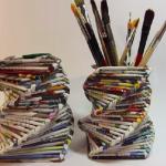 Portapenne con riviste riciclate